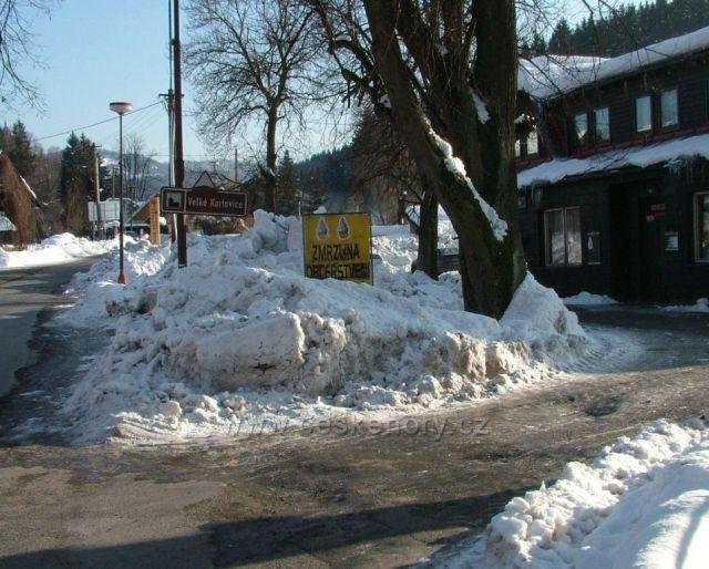 Zmrzlina, občerstvení a sníh a jenom sníh