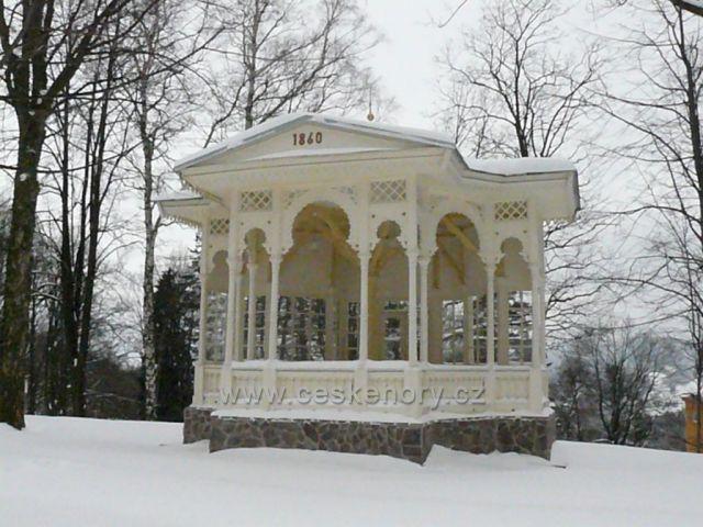 lázně v zimě