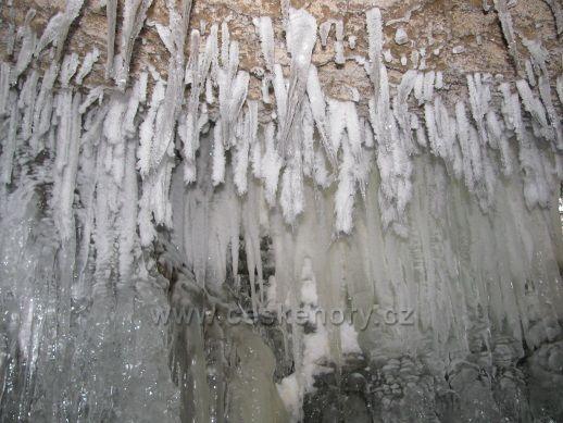 Námraza v Jeskyni víl