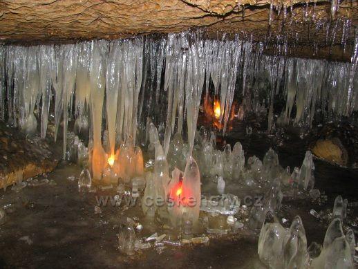 Osvětlená Jeskyně víl