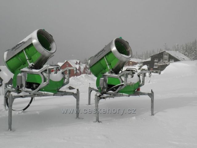Sněžná děla odpočívají