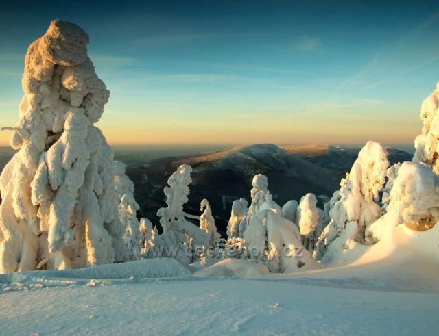 Pohled na Smrk z Lysé hory