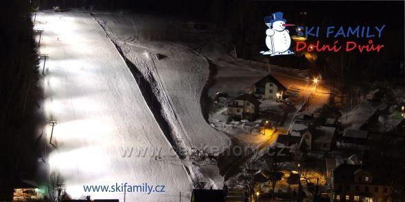 SKi Family Dolní Dvůr - večerní lyžování