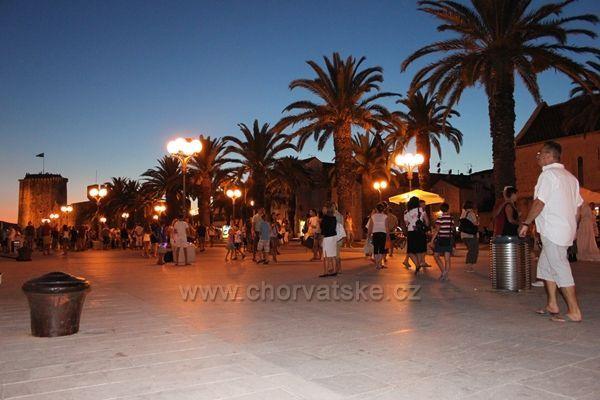 Večerní Trogir