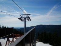 Výhled z horní stanice vleku Sněžník na Klepáč
