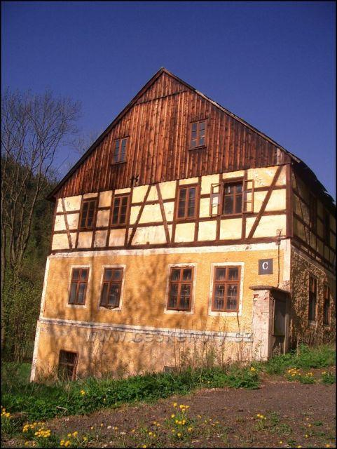nejstarší stavení II mlýn Chomutov dnes ruina