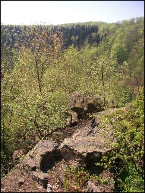 Skalní útvary nad Kameničkou