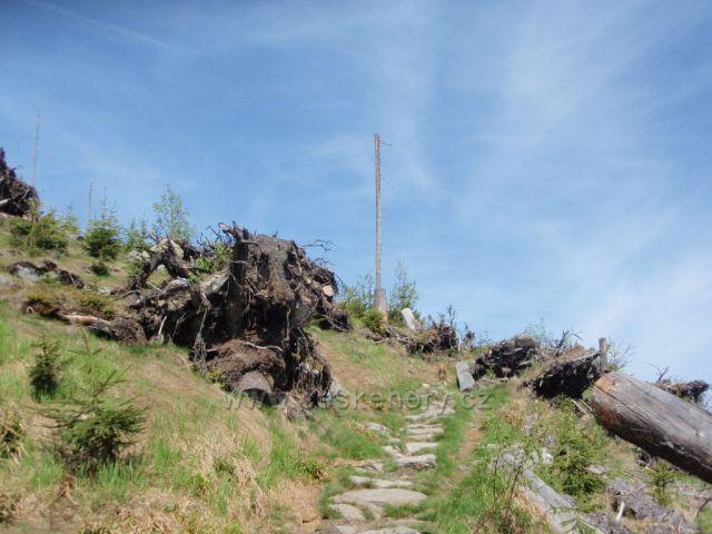 Cesta k vrcholu Ostrý