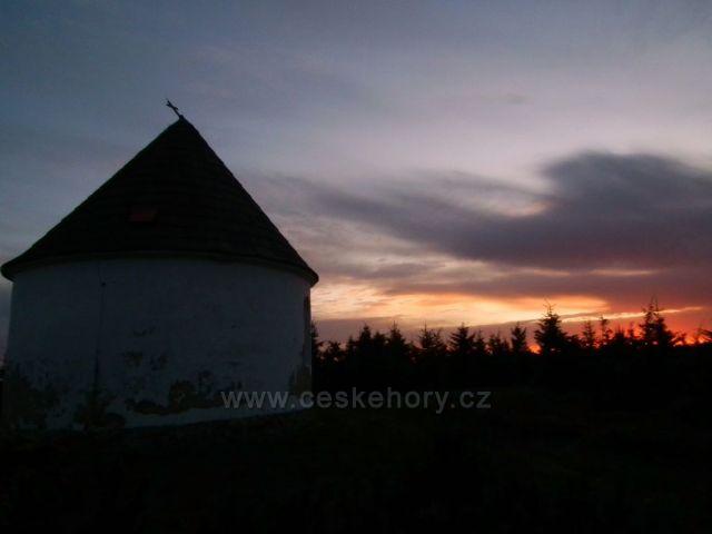 Soumrak u Kunštátské kaple