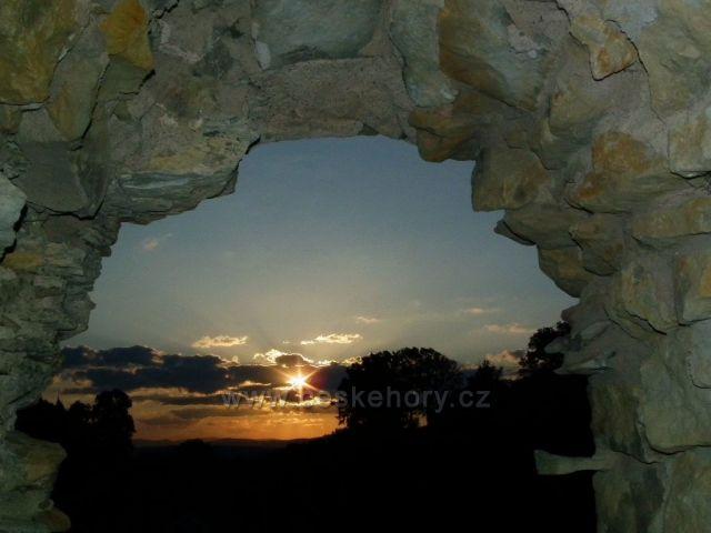 Ranní slunce z hradu Lanšperk