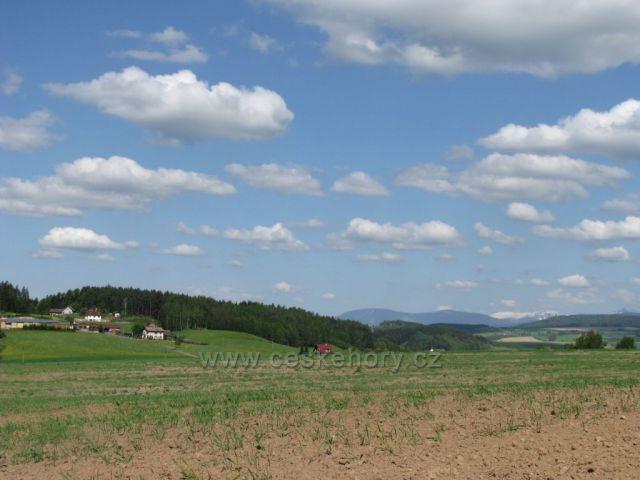Pohled od Havlovic na Krkonoše.