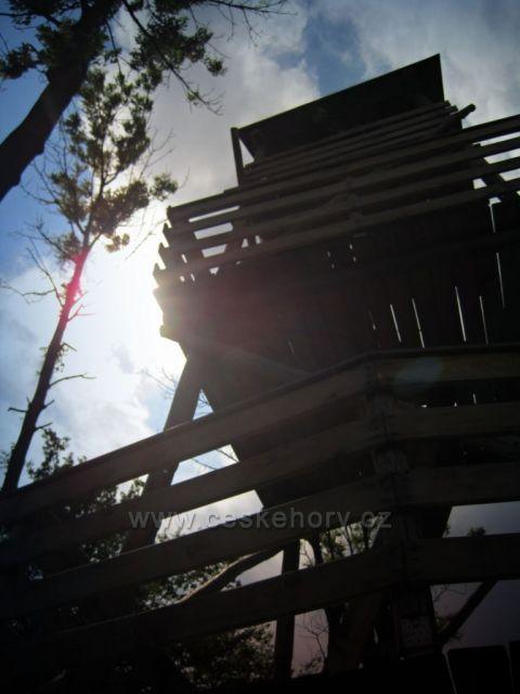 Vyhlídka-Skuhrov-zřícenina hradu