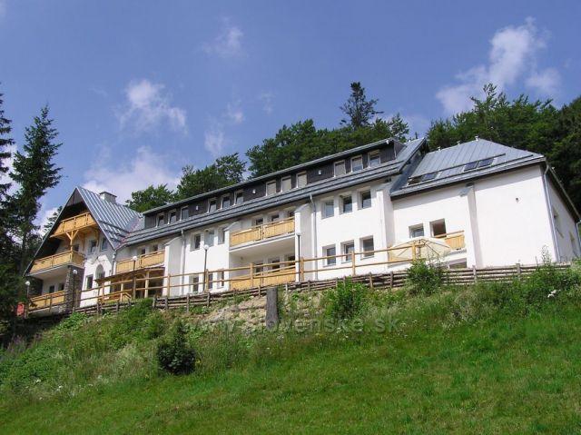 Hotel Totem, Čertovica
