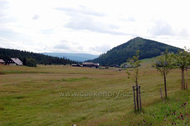 Osada Jizerka,Bukovec a Krkonoše v dálce