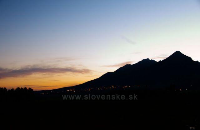 Západ slunce pod Lomnickým štítem