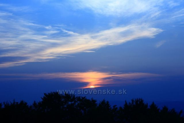 Západ slunce z hřebene Medralowa
