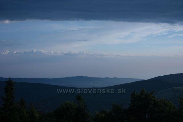 Večerní panorama z hřebene Medralowa