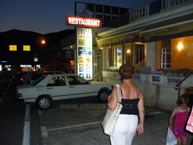 Vynikající restaurace v Neumu hned u cesty u benzínky