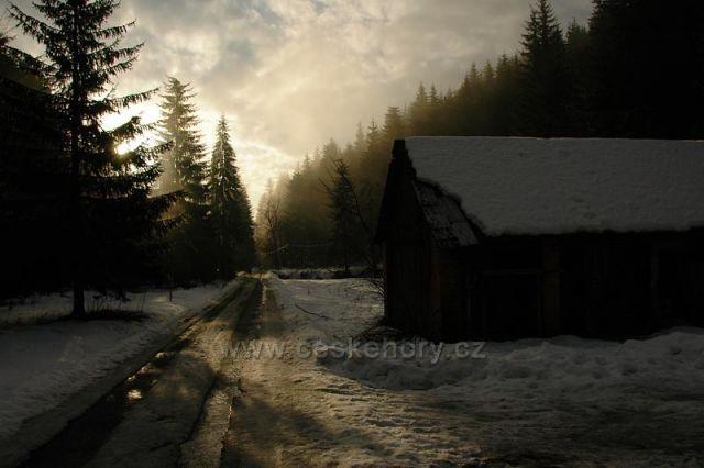 Východ Slunce u Nového Hrozenkova.