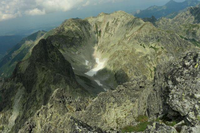 dolina mezi Divou věží a Svišťovským štítem z Východné Vysoké