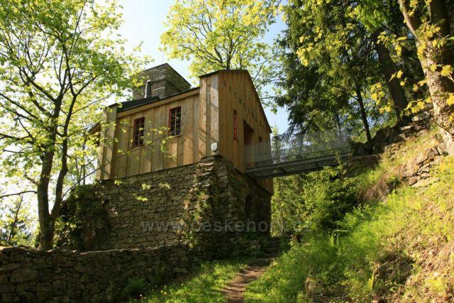 Lesní hrádek Aichelburg