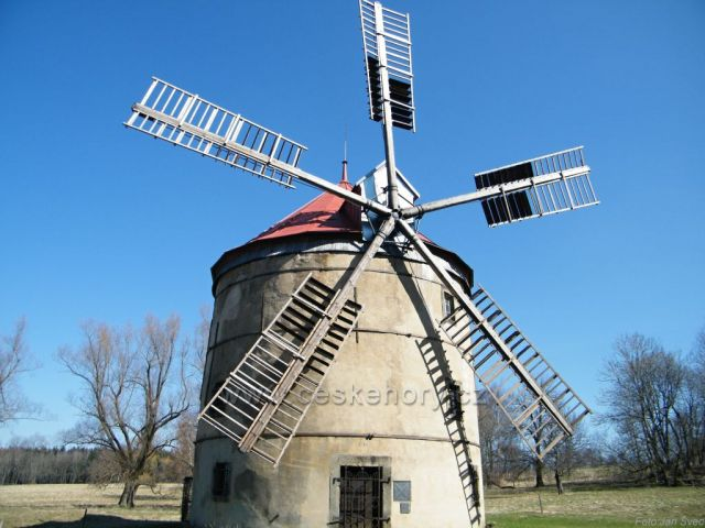 Větrný mlýn na Světlíku