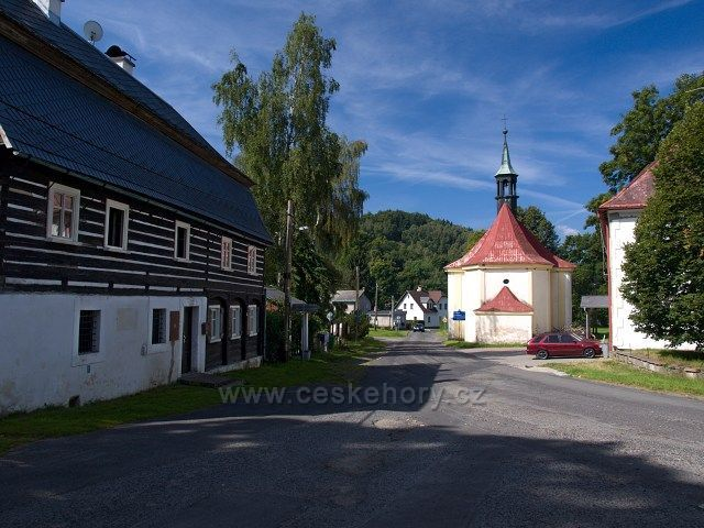 vesnice Krompach.