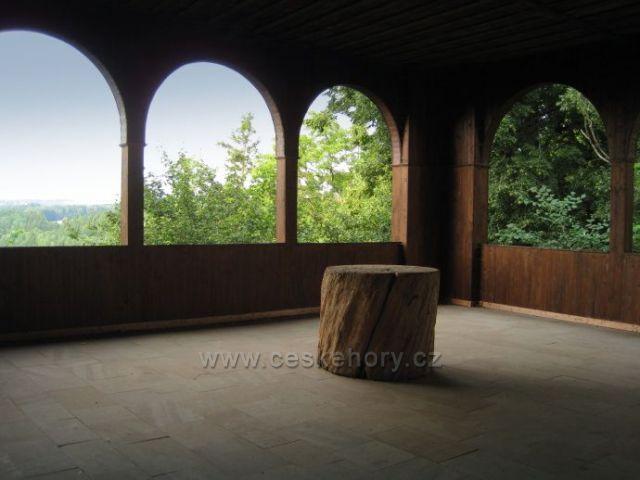 Rýzmburský altán-výhled na Boušín