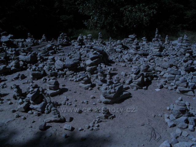 Komínky z kamínků