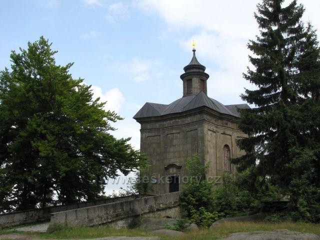 poutní kaple Hvězda v Broumovských stěnách