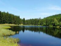 Žďárecké jezírko poblíž zaniklých obcí Stodůlky a Světlé Hory