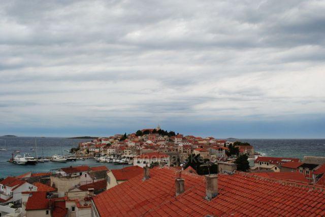 Primošten výhľad na staré mesto