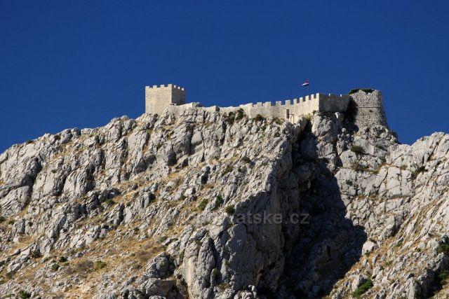 Stari grad nad Omišem
