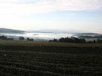 ranní mlha v  Jestřebích horách