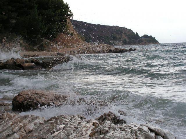 Kruté moře 01