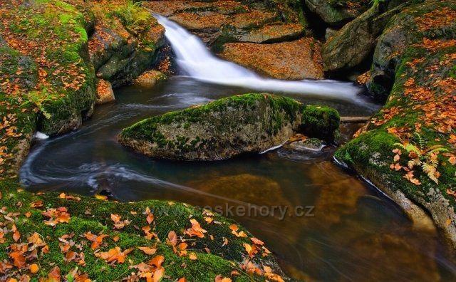 Podzimní vody v Jizerkách-Černá Desná.