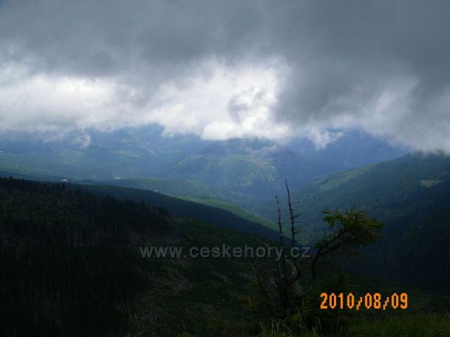 Mraky v údolí Krkonoš