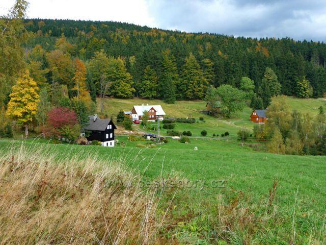 Nýčovy domky na podzim