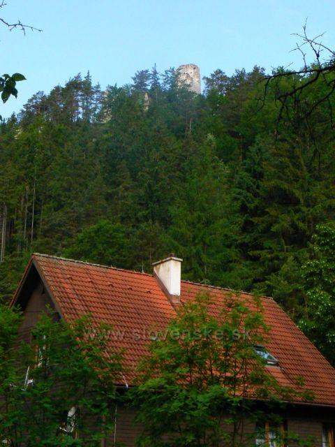 Hrad Blatnica z Gaderskej doliny