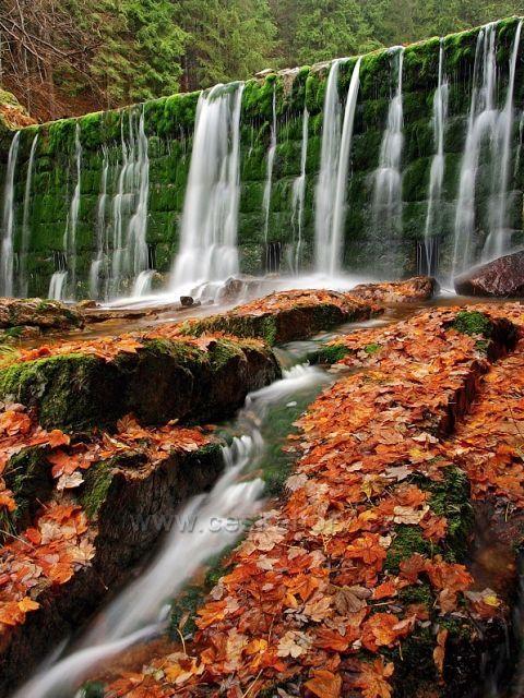 Jeden vodopád na Bílé Desná.