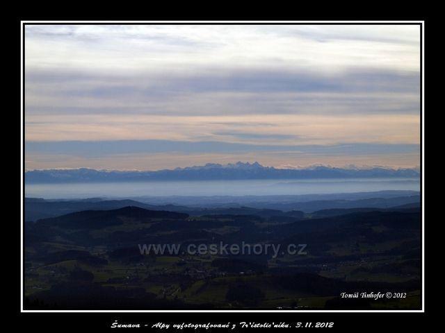 Šumava - Alpy vyfotografované z Třístoličníku (1311 m.n.m.)