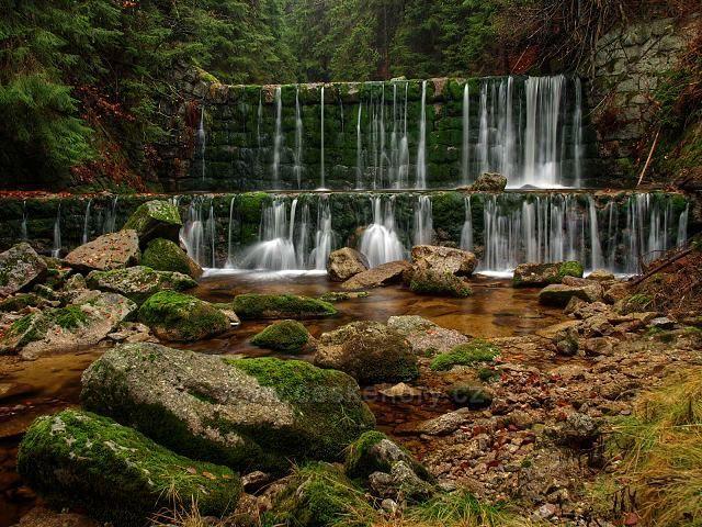 Podzimní vodopády na Bílé Desné.