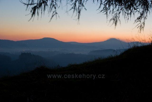 Svítání na Křížovém vrchu