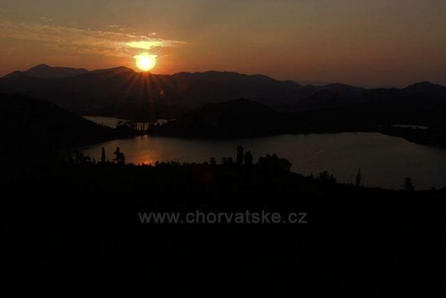 Bačinská jezera východ slunce