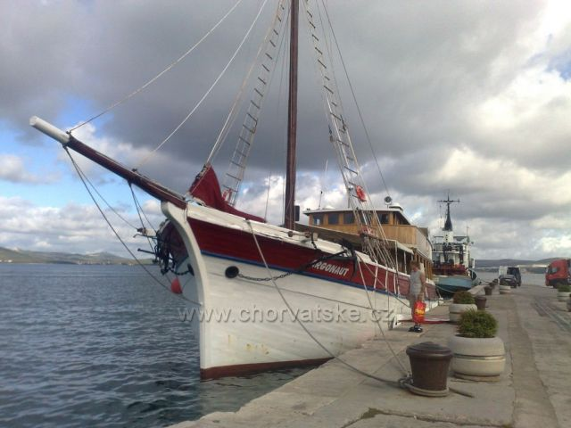 120.let stará loď