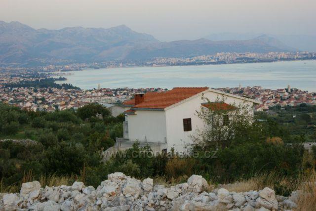 Na ceste z vychadzky, pohlad na Kastelansky zaliv smerom na Split...