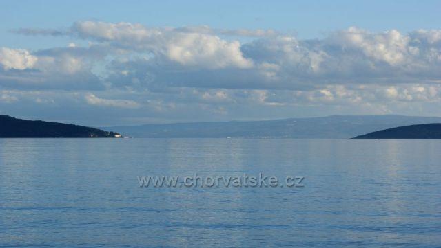 Marianska Brana, zlava do prava (polostrov Marian, v strede ostrov Brac a uplne vpravo ostrov Ciovo)