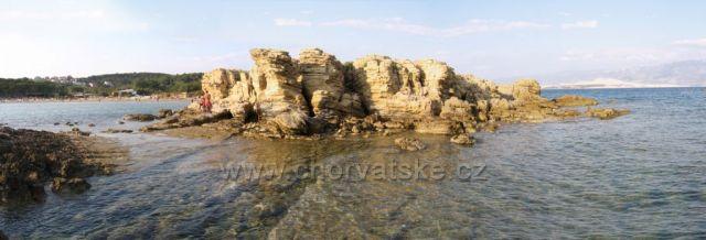 Výhled z ostrůvku Kaštelina směrem k Rajské pláži