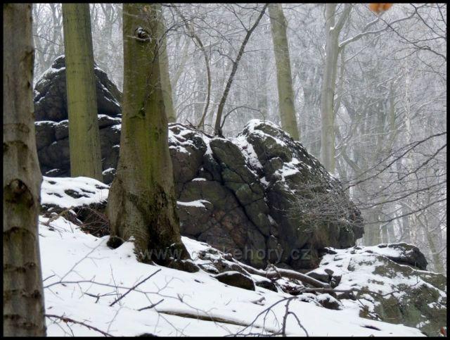 Skaliska v oboře Červený Hrádek nad Drmalskou myslivnou.