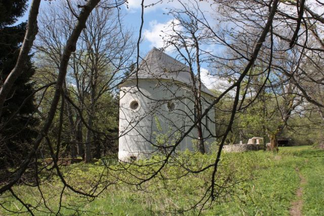 Hrobka rodu Abele - bývalá Hůrka (Hurkenthal)